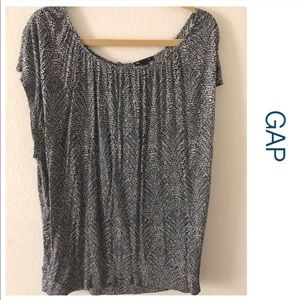GAP Navy and Cream Knit Top